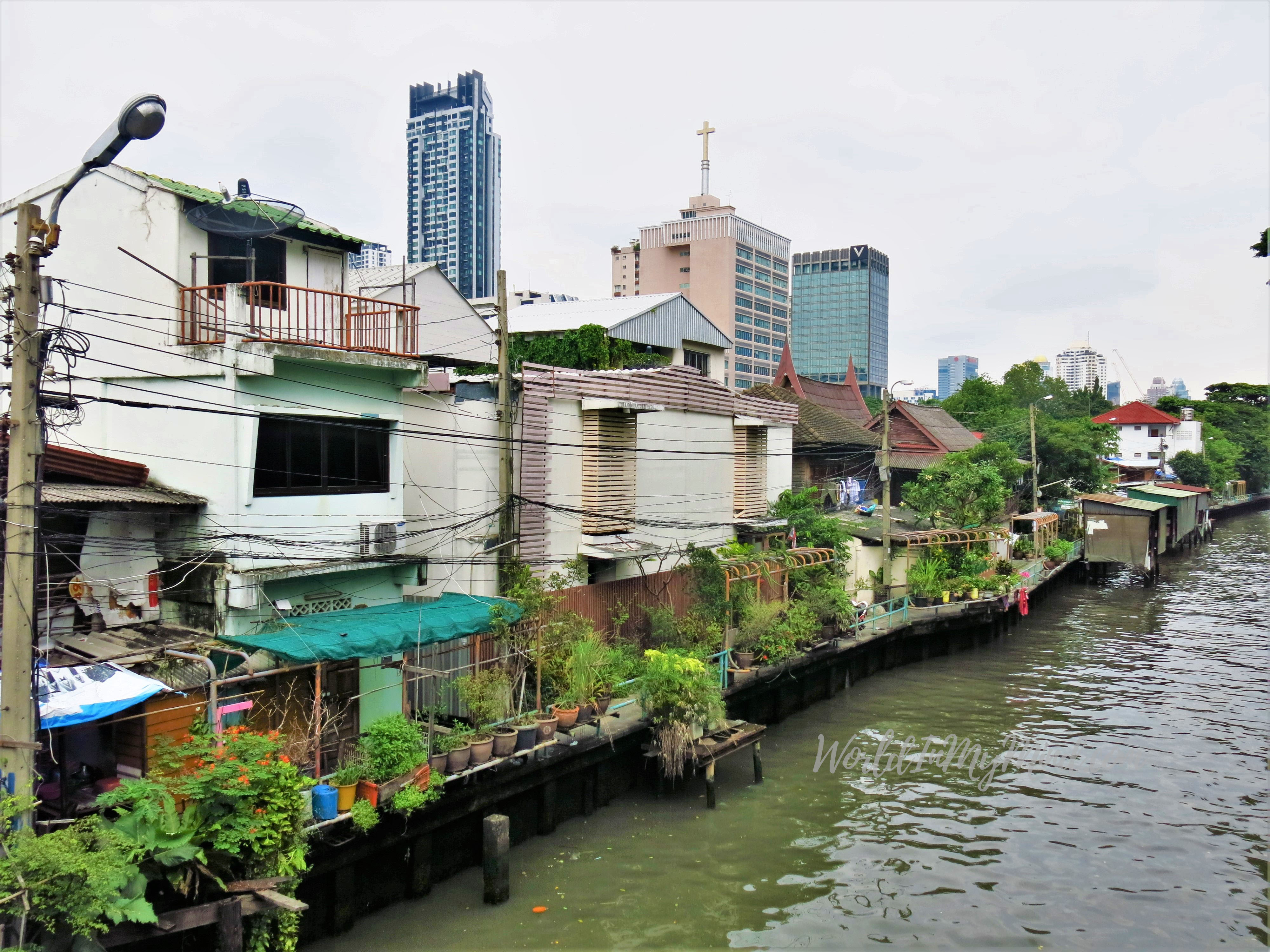 Urban photography: canal houses in Bangkok